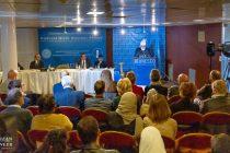 El Jalifa del Islam ofrece un discurso histórico en la sede de la UNESCO